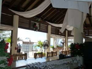 Cayman Tiki Bar on 7 mile beach